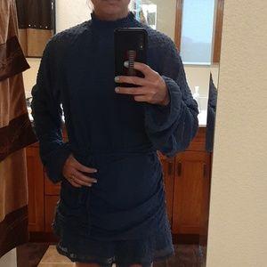 Dresses & Skirts - Trendy long sleeve mini dress